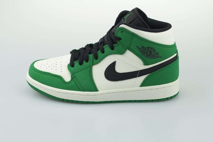 air-jordan-1-mid-se-852542-301-pine-green-black-sail-1qonT46HYsCw6R