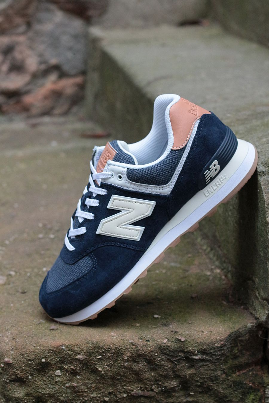 NB-574-Navy-outside-900-3