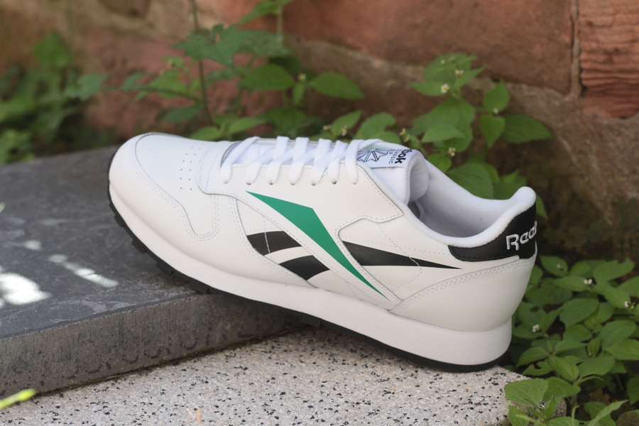 reebok-classic-leather-mu-ef8836-white-black-emerald-5