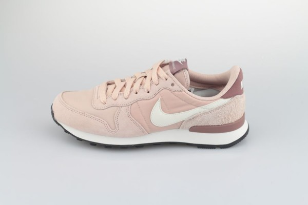Nike Wmns Internationalist Rosa