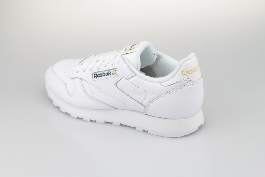 Reebok-Classic-Leather-white-Hotel-900-3