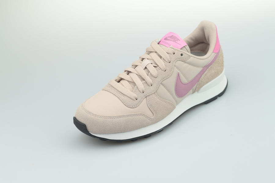 Nike-Internationalist-828407-214-fossil-stone-plum-dust-magic-flamingo-2BE9PRuixM8I2Y