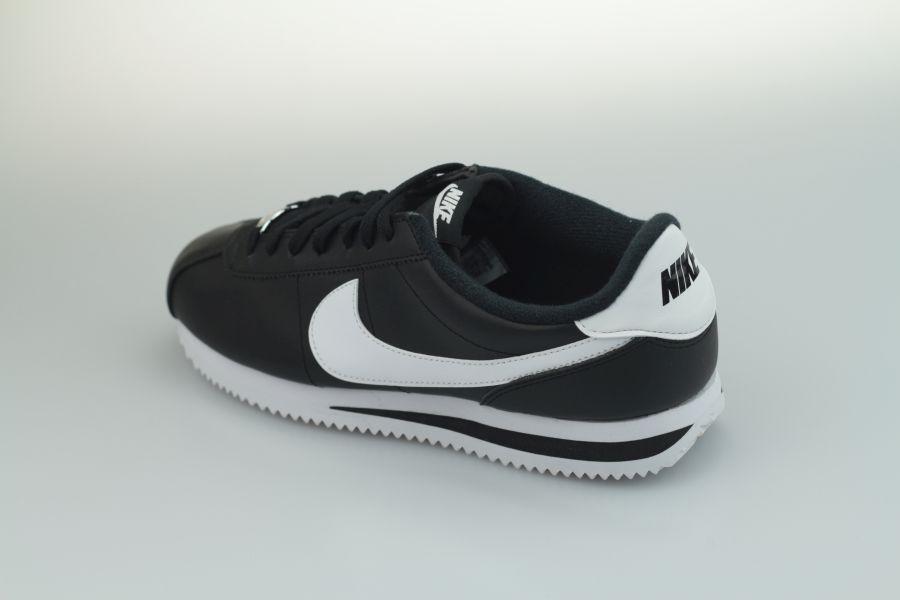 nike-cortez-leather-819719-012-black-white-metallic-silver-31udX41ECah2RM