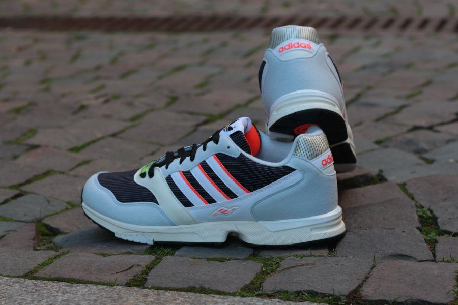 adidas-ZX1000c-coreblack-white-halfblue-6