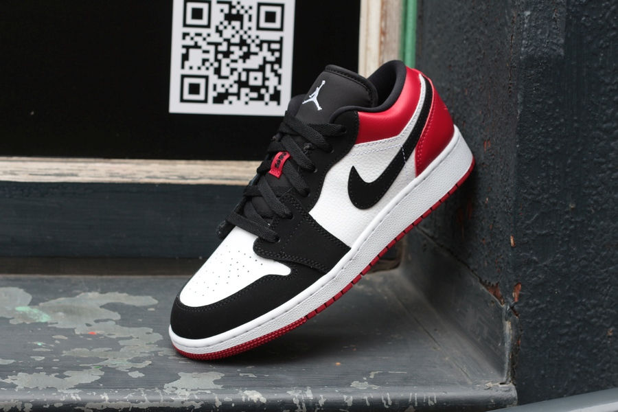 nike-air-jordan-1-low-gs-553560-116-white-black-gym-red-5
