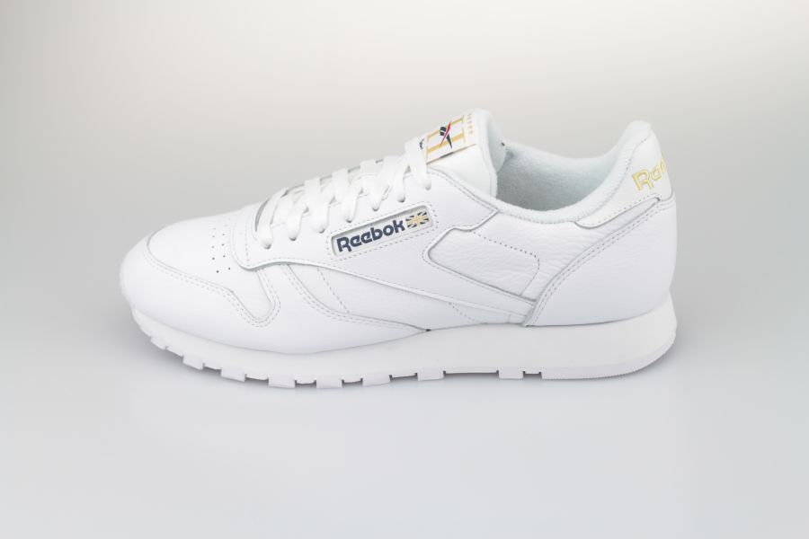 Reebok-Classic-Leather-white-Hotel-900-1