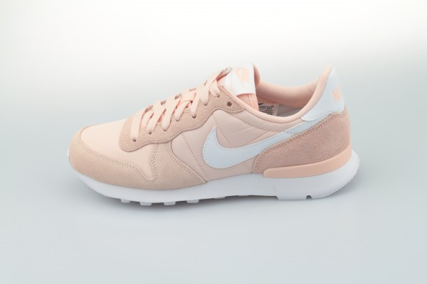 Wmns Internationalist (Washed Coral / White)
