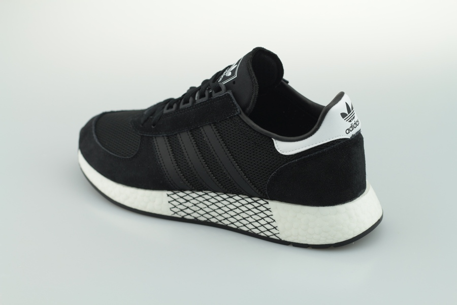 adidas-marathon-tech-ee4924-core-black-cloud-white-3dOAXhFhZCLvvD