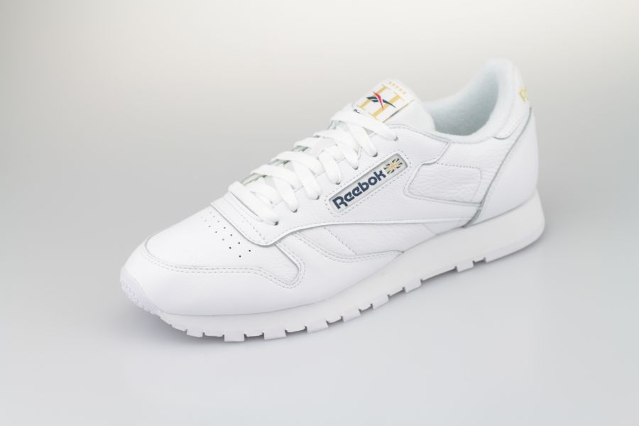 Reebok-Classic-Leather-white-Hotel-900-2