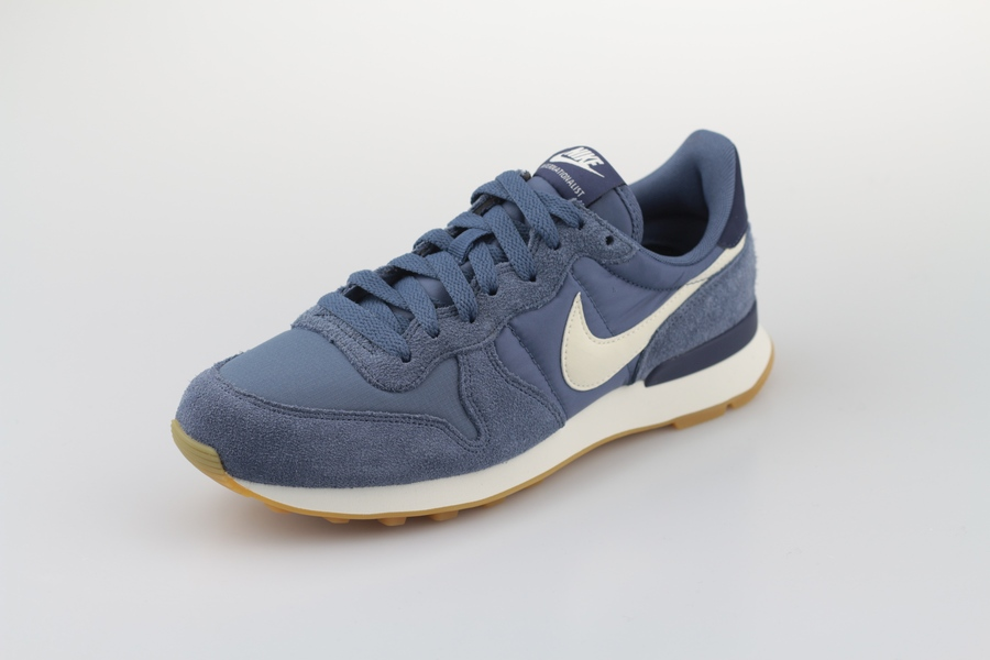 nike-wmns-internationalist-828407-412-diffused-blue-summit-white-blau-2