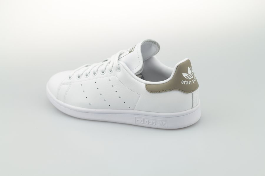 adidas-stan-smith-ee5798-footwear-white-trace-cargo-trace-cargo-392I3P1EE2lcTq