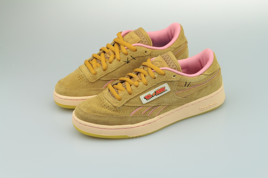 reebok-tom-jerry-club-c-revenge-mu-fw4632-bold-brass-quiet-pink-3