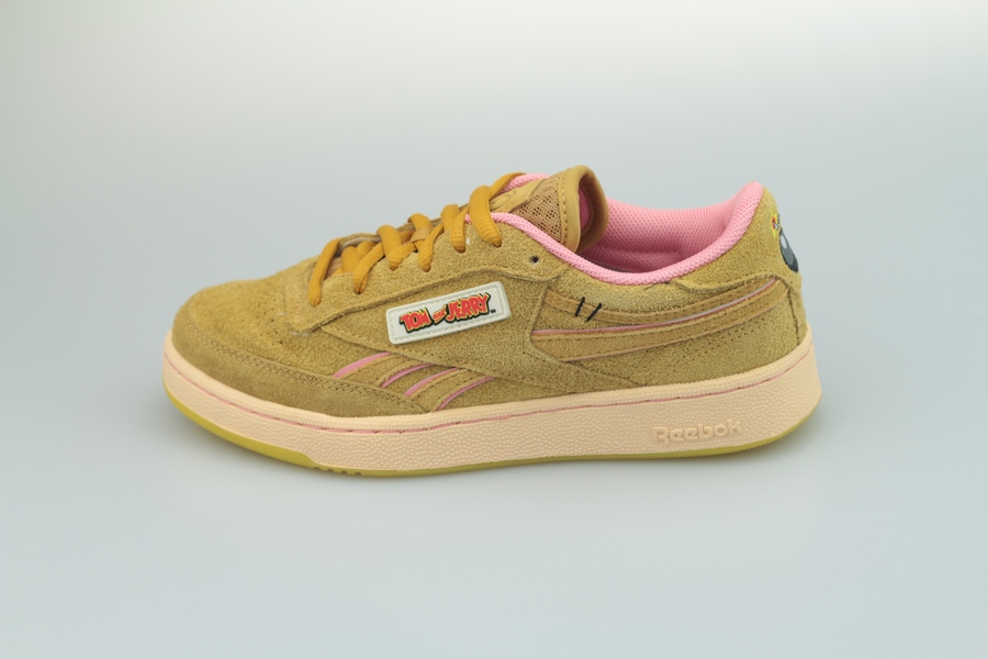 reebok-tom-jerry-club-c-revenge-mu-fw4632-bold-brass-quiet-pink-1