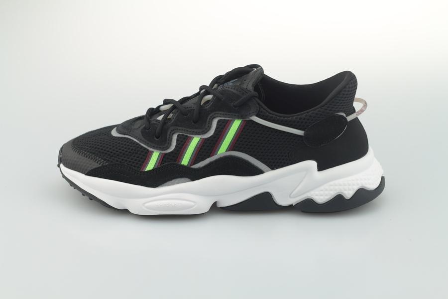 adidas-ozweego-ee7002-core-black-solar-green-onyx-1S7qGpXDb4DL2r