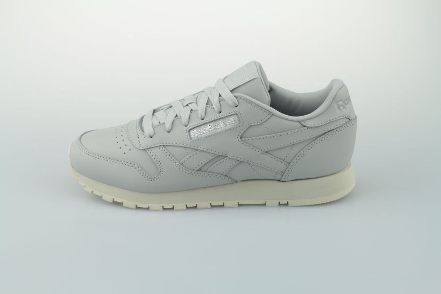 reebok-classic-leather-dv3763-skull-grey-pure-silver-paper-white-1nxHnOIJ6umOae