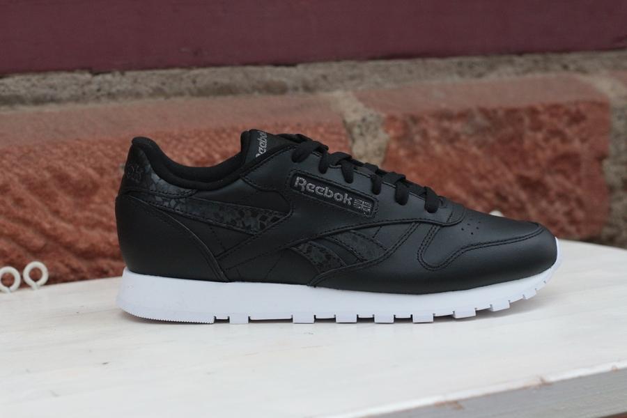reebok-classic-leather-dv8155-black-white-1