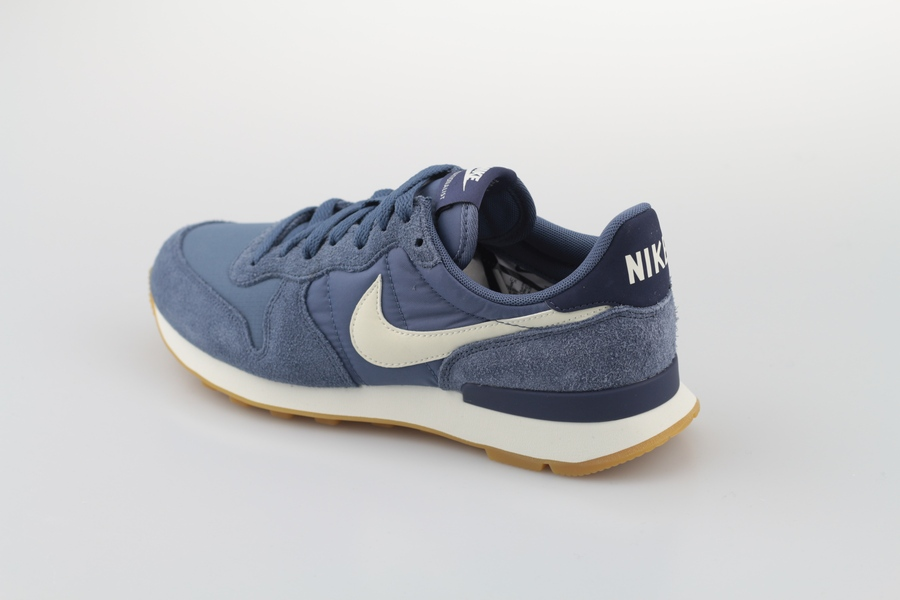 nike-wmns-internationalist-828407-412-diffused-blue-summit-white-blau-3