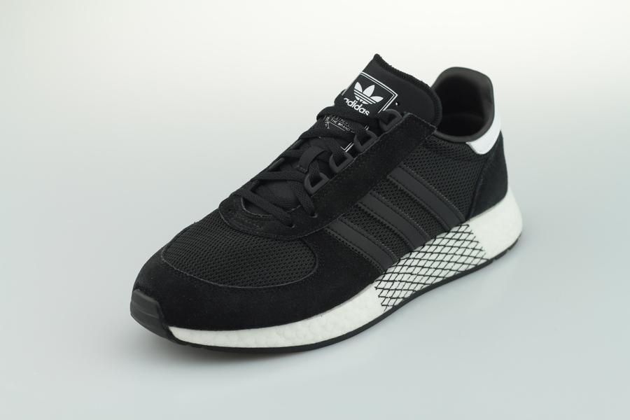 adidas-marathon-tech-ee4924-core-black-cloud-white-2VMbgkmPtAyK14