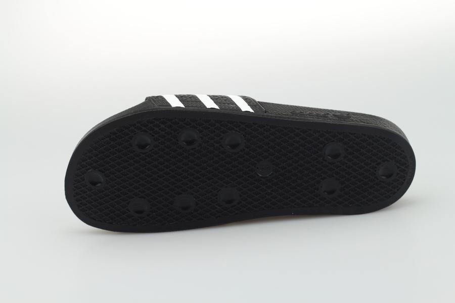 adidas-adilette-280647-core-black-white-schwarz-weiss-4TbZ2RYYxckaue
