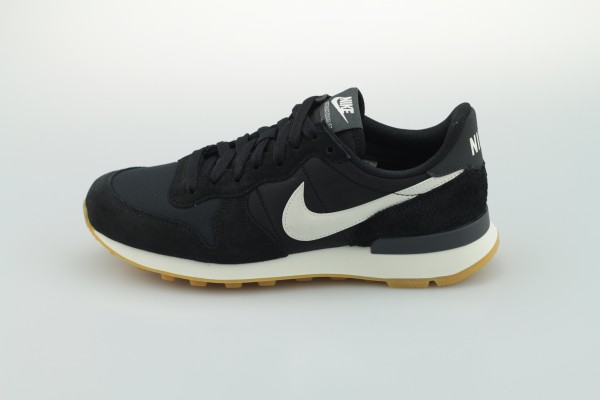 Wmns Internationalist (Black / Summit White - Anthracite - Sail)