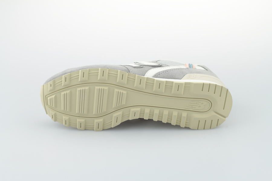 new-balance-wr-996-yc-703541-5012-grey-4gSfYQFXFbGYYR