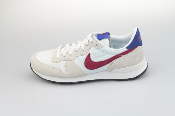 Wmns Internationalist (Summit White / Noble Red - Hyper Blue -Black)