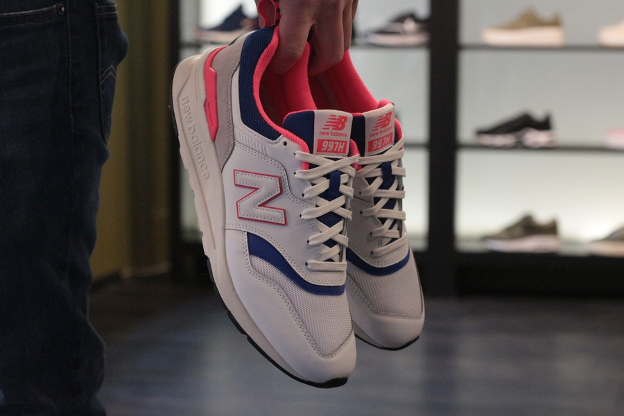 new-balance-cm-997h-aj-714411-6033-white-laser-blue-5