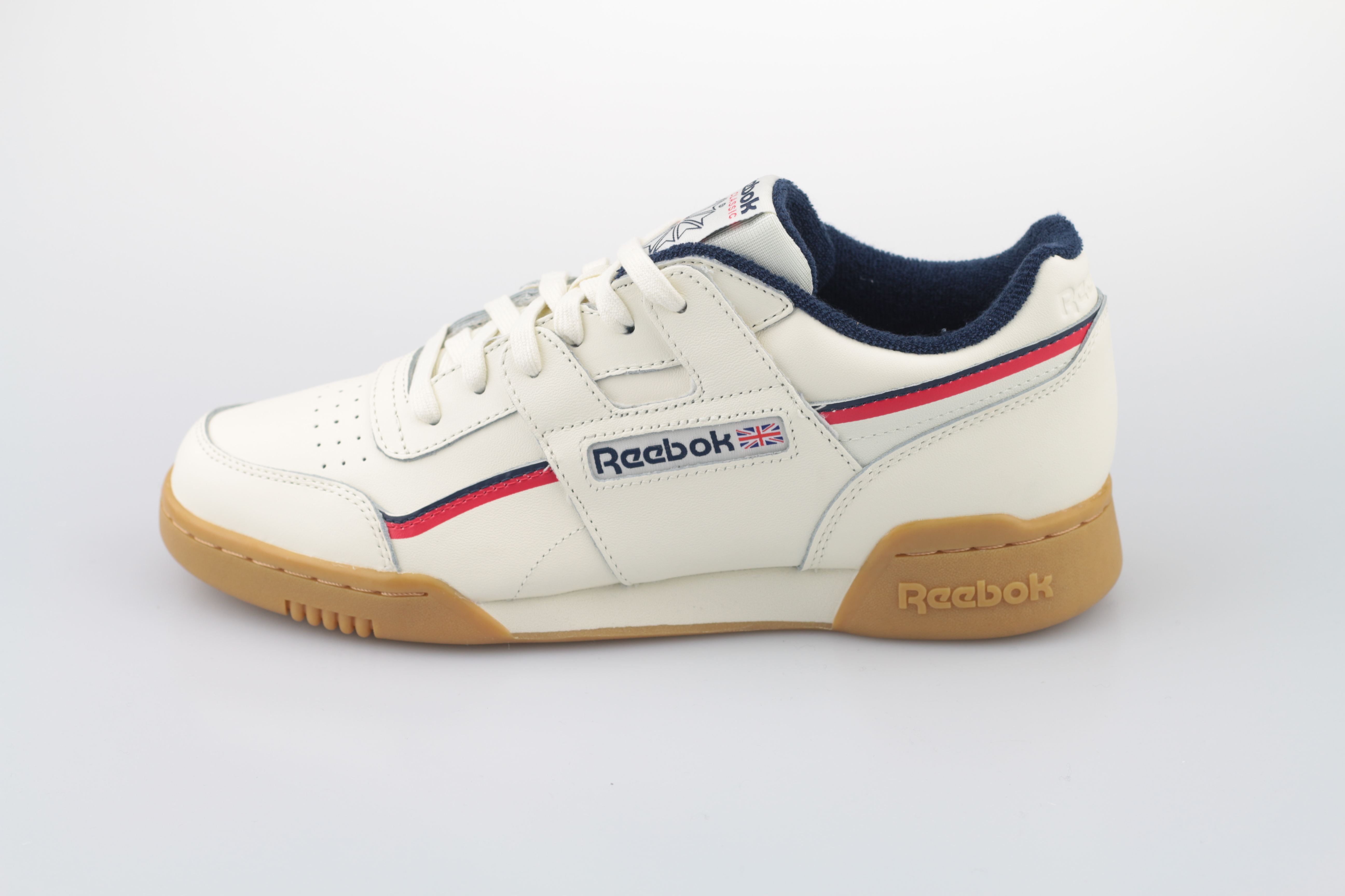 63d71745d7f Reebok. Vorschau  Workout Plus MU (Classic White   Navy   Red) ...