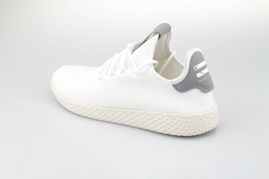 PW-Tennis-HU-white-grey-3NkGFcqSDd5Mh8
