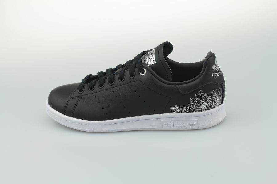 adidas-stan-smith-w-eh1273-core-black-core-black-silver-metallic-1OraLM4VXrHSs7