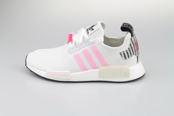 NMD_R1 W (Cloud White / True Pink / Core Black)