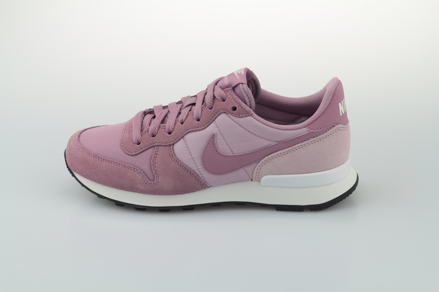 nike-wmns-internationalist-828407-501-plum-dust-plum-chalk-black-1