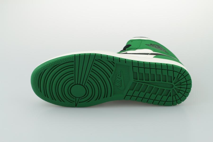 air-jordan-1-mid-se-852542-301-pine-green-black-sail-4oLjRnPXk1yDad