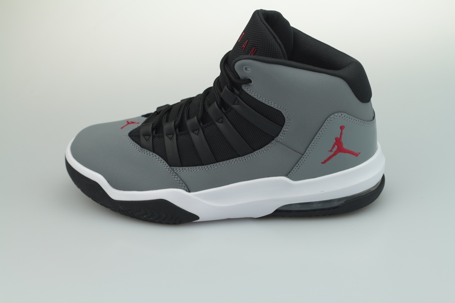 jordan-max-aura-aq9084-012-cool-grey-gym-red-black-white-1IHEKIGqMwFNHN