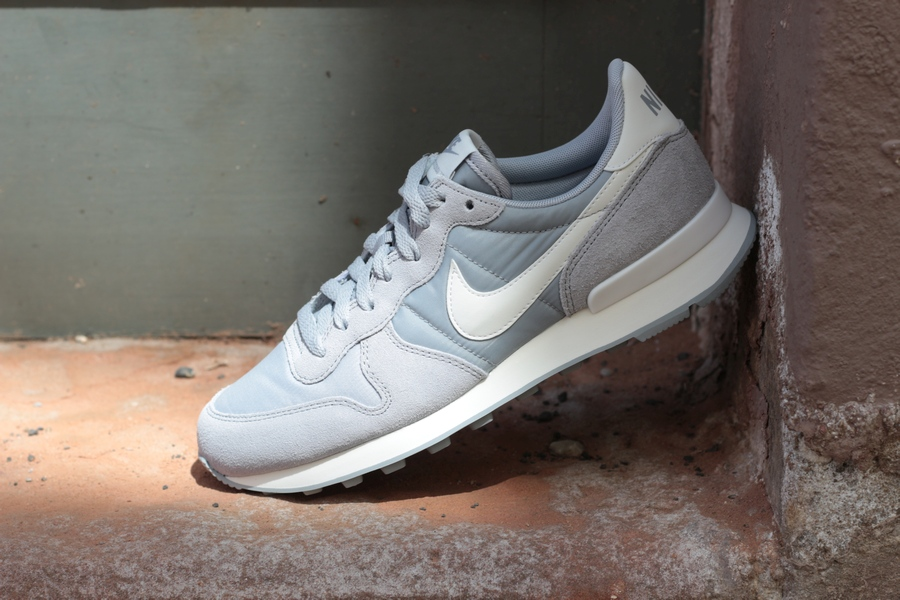 nike-wmns-internationalist-828407-023
