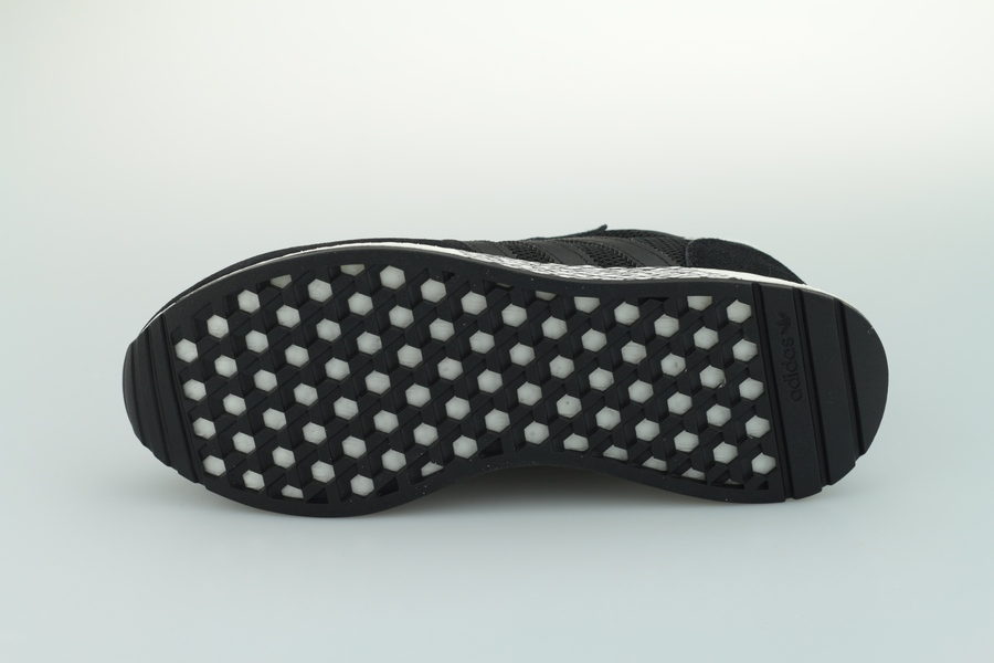 adidas-marathon-tech-ee4924-core-black-cloud-white-4sYf5zsu8FeK68