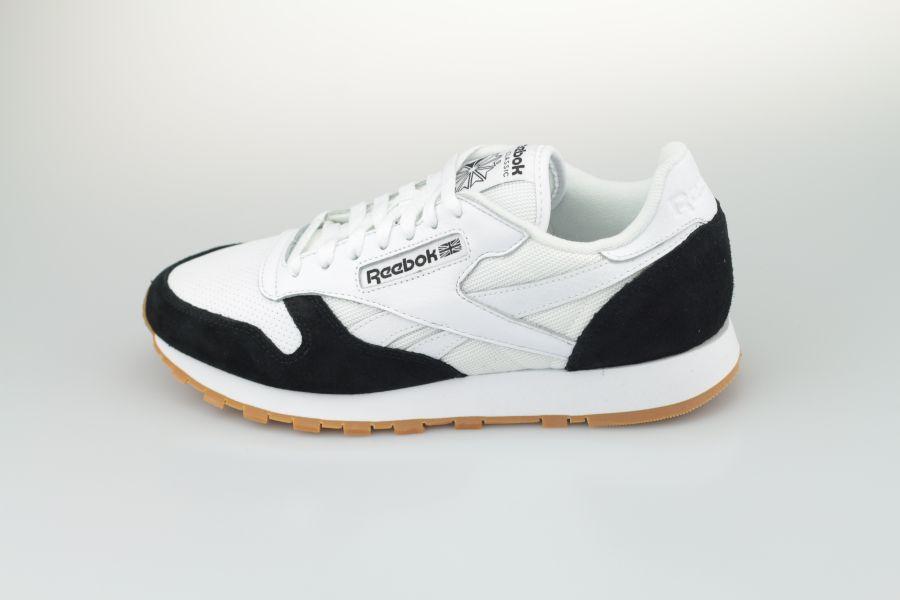 Reebok-Classic-Black-White-900-1