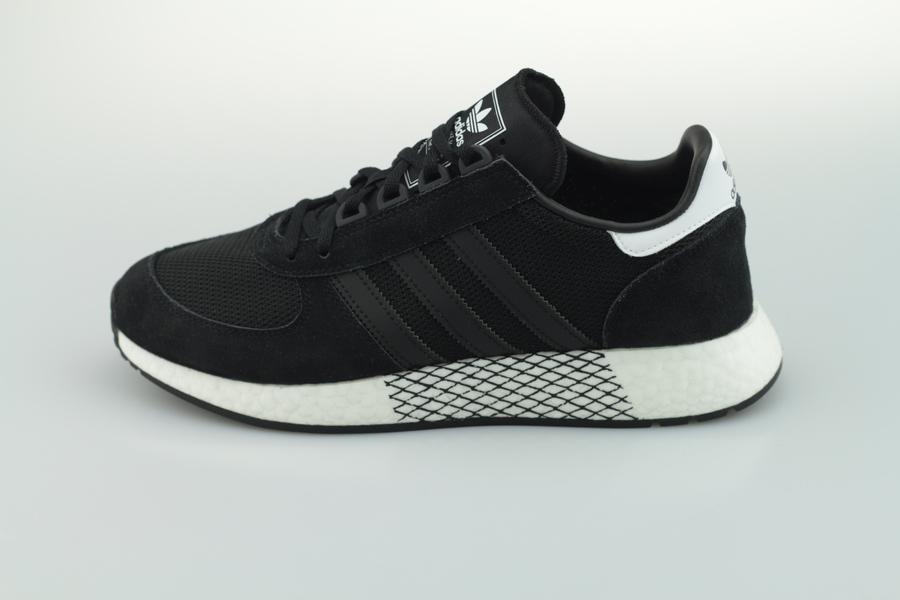 adidas-marathon-tech-ee4924-core-black-cloud-white-1XofruUID1v1jP