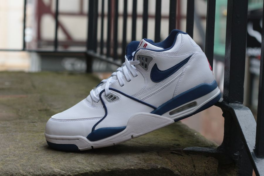 nike-air-flight-89-cn5668-101-white-dark-royal-blue-varisty-red-5