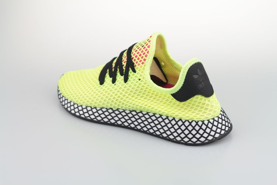 adidas-deerupt-runner-cg5943-hi-res-yellow-core-black-shock-pink-3