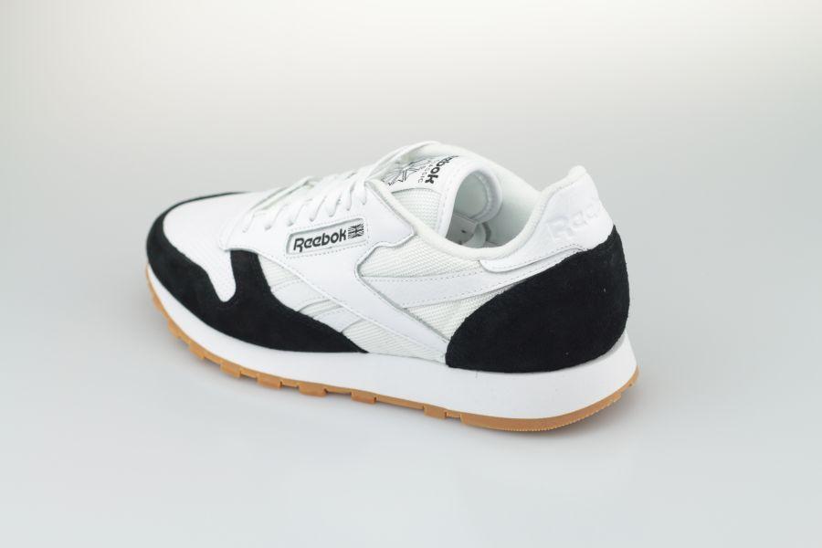 Reebok-Classic-Black-White-900-3