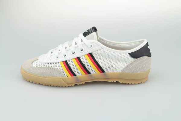 adidas Tischtennis (White)